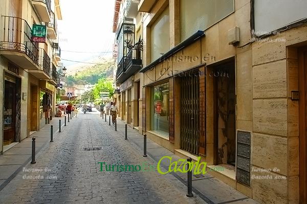 Alquilo local comercial en el centro de cazorla cazorla for Local en centro comercial madrid